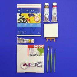 Acrylfarben, Pinsel, Leinwände und Malblöcke